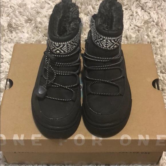 1369b14dd98 Toms alpine toddler boot. M 5b4fdcd31299558849f1b695
